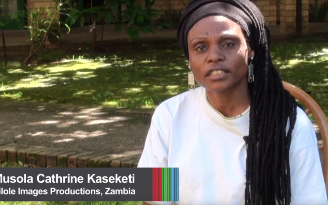Video activistas de África juntos en la reunión de Video para el Cambio