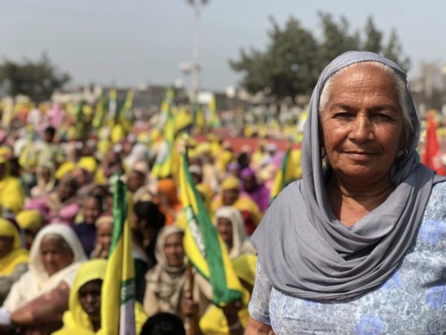 CAPTION: Women farmers at the forefront of protests at Anaaj Mandi, in Barnala (Photo by D. Jennifer)